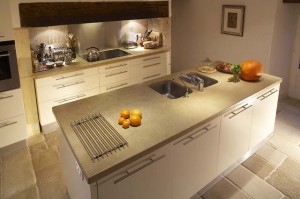 Evier de cuisine le bon emplacement - Evier sur ilot central ...
